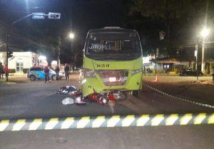 Mulher morre depois de ser arrastada por 21 metros em acidente