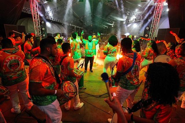 Festival de Samba-Enredo: Estilizados desbanca favoritas mais uma vez