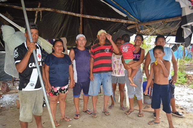 Famílias ocupam margens de rodovia federal no Amapá cobrando reforma agrária