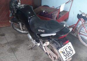 Bope localiza moto roubada em pátio de residência