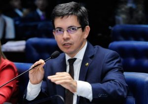 Auxílio Emergencial a motoristas de aplicativos e taxistas é aprovado no Senado