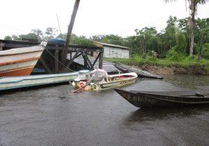 Após matar sobrinho a facadas, tio foge pelo rio no interior do Amapá