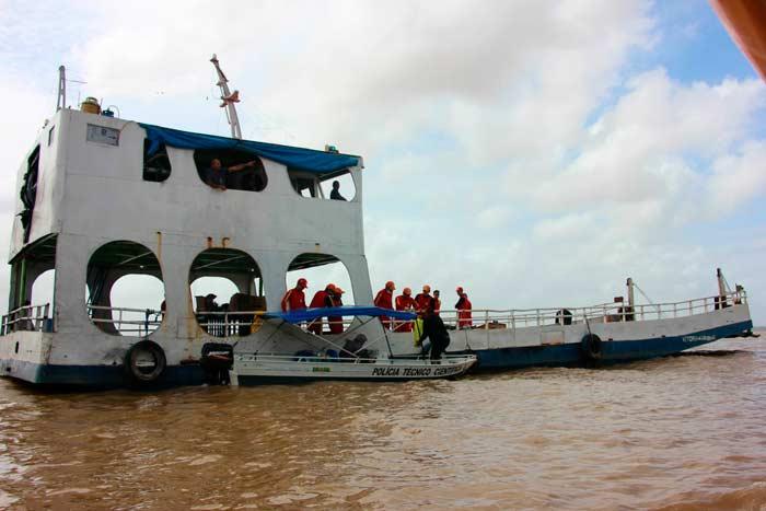 Governo contrata guindaste, mas processará empresa dona de navio naufragado