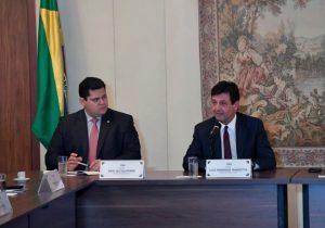 Davi anuncia ampliação de leitos de UTI no Amapá