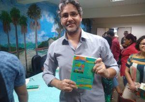 Capítulos da história do Amapá são contados em livro lançado por professores