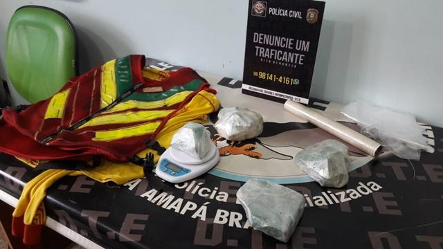 Mototaxista que fazia entrega de drogas é preso com 2 kg de crack