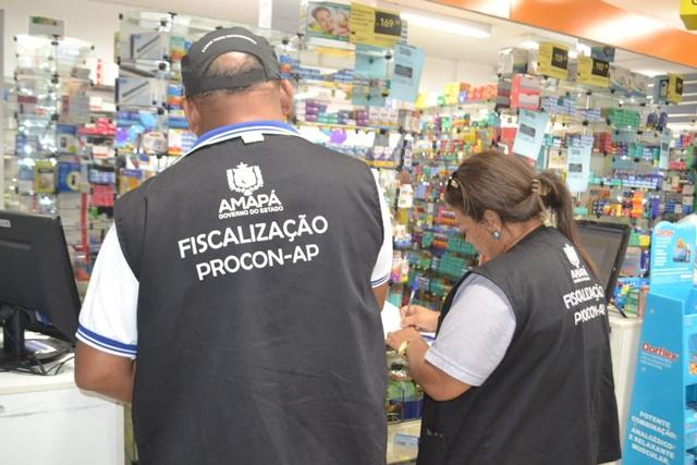 Farmácia que vendeu álcool em gel a R$ 45 é notificada pelo Procon