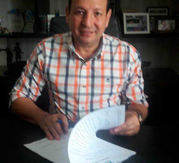 Depois de 20 anos no PDT, ex-prefeito de Macapá assina no DEM