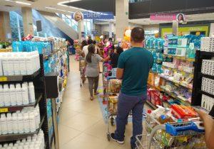 Supermercados poderão sofrer medidas mais duras se aglomerações continuarem