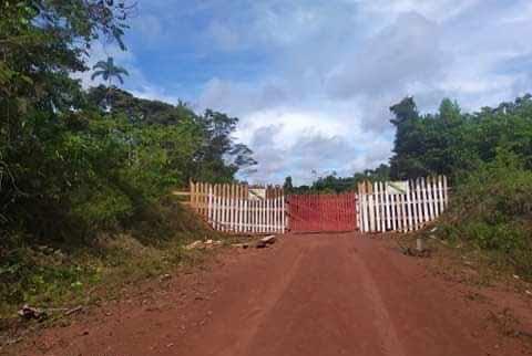 Isolamento: com medo da covid-19, índios colocam portão na BR-210