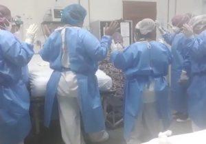 Equipe faz oração por paciente com suspeita da covid-19