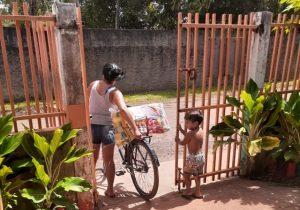 Em Pedra Branca, famílias de alunos começam a receber 2ª remessa de cestas básicas