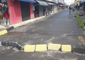 Vias do Centro de Macapá são interditadas para conter fluxo e evitar aglomerações