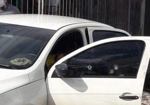 Motorista de aplicativo é executado a tiros dentro do carro