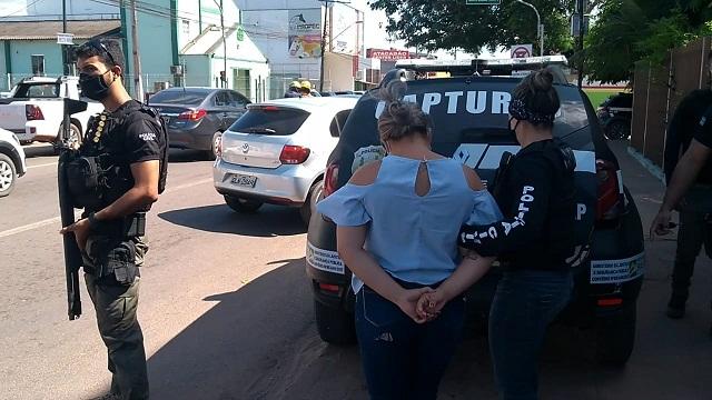 Divisão de Capturas acha mulher que atraía vítimas para serem roubadas por facção