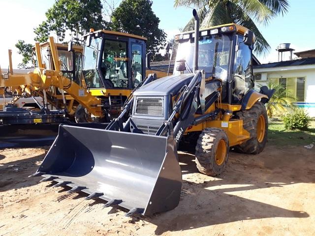 Laranjal do Jari ganha maquinário para recuperar vias urbanas e ramais