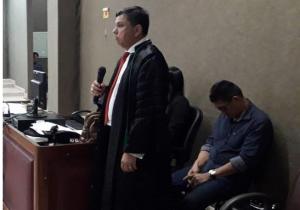Ex-instrutor de tiro se apresenta para cumprir pena de homicídio