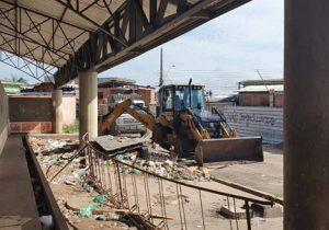 Mercado do Peixe estava cercado por 10 toneladas de lixo