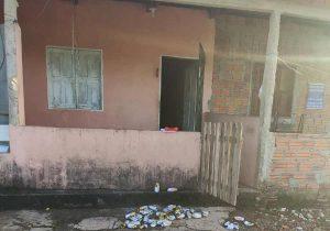 Jovem mata ex-marido da namorada durante briga