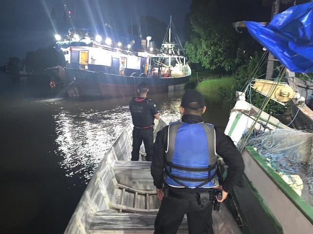 Tripulação faz motim em embarcação na costa do Amapá