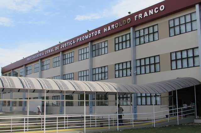 Conselho apura salários acima do teto no Ministério Público do Amapá