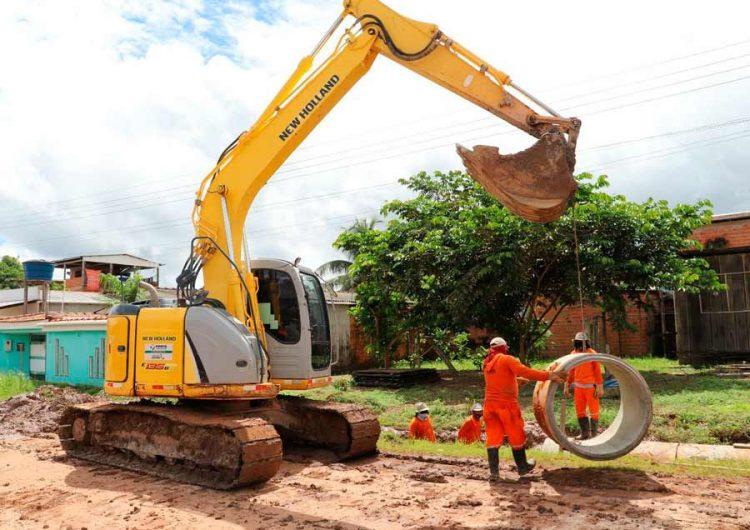 Obras de saneamento e distribuição de água avançam em Pedra Branca