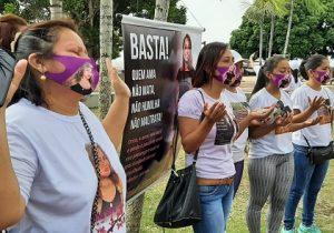 Tomadas por saudade, famílias de vítimas de feminicídio fazem ato por justiça e paz