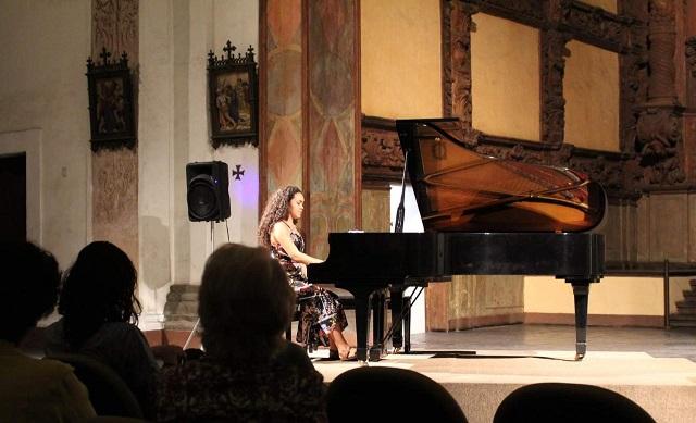 Jovem prodígio do piano, amapaense participa de concurso nacional