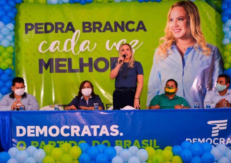 Pedra Branca: DEM oficializa Beth Pelaes à reeleição; vice será do PSL