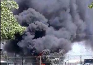 Incêndio destrói carreta de soja no Amapá