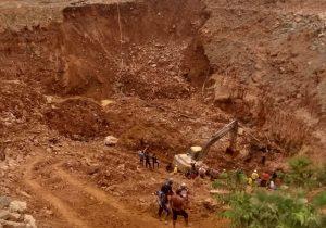 Após deslizamento em garimpo, Bombeiros confirmam 3 corpos e 4 sobreviventes