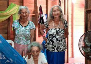 Sozinhas e na pobreza, irmãs centenárias lutam para sobreviver