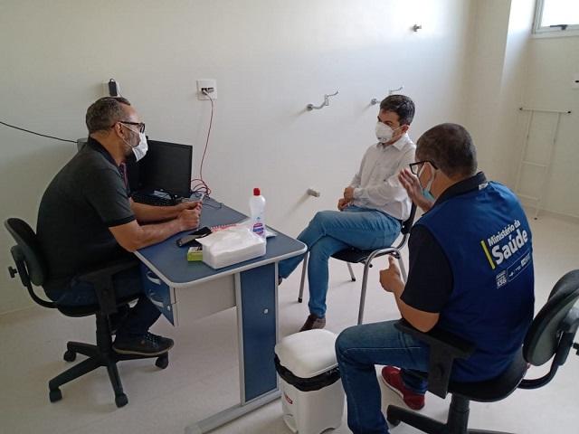 Centro Covid HU: Randolfe pede apoio a Pazuello para recontratar profissionais