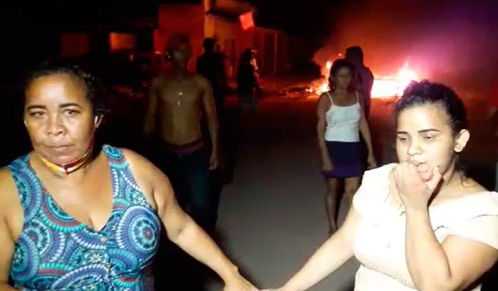 """Após 15 horas sem energia, mãe de menina especial desabafa: """"queremos dignidade"""""""