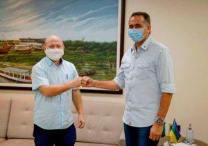 Bala e Waldez fecham acordo para asfaltamento de 30 km em Santana