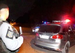 Bandidos invadem casas de policiais na mesma noite