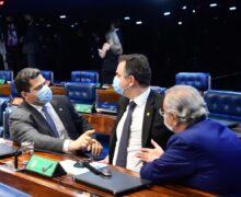 Próximas de expirarem, MPs de compensações pelo apagão são prorrogadas