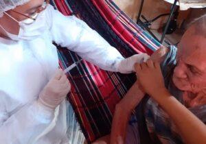 Covid-19: idoso de 103 anos é vacinado em Santana