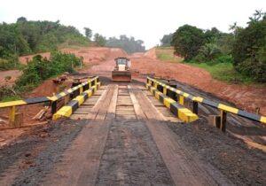 Após quase um mês, ponte é recomposta e liberada na BR-156