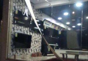 VÍDEO: ladrões arrombam loja e furtam TVs em 30 segundos