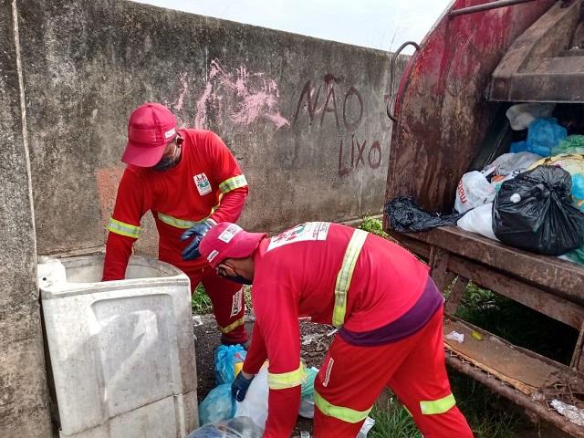 Com garis mais vulneráveis, prefeitura pede cuidado com lixo em casa de infectados