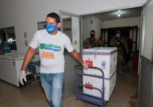 Confusão do Ministério da Saúde troca vacinas de Amapá e Amazonas, afirma jornal