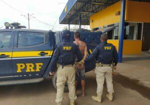 PRF vai averiguar invasão e encontra foragido por latrocínio