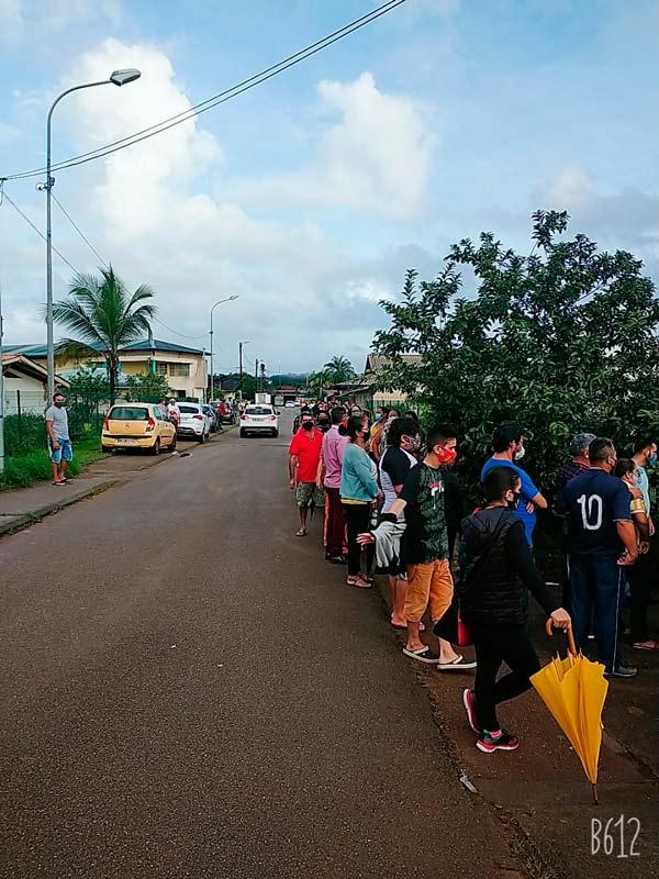 Brasileiros atravessam a fronteira para serem vacinados na Guiana