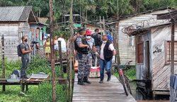 Foragido esboça tiro contra policiais do Bope