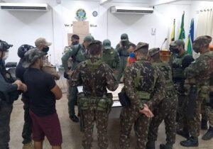 Exército, Polícia Civil e guardas florestais se juntam às buscas por garotos perdidos