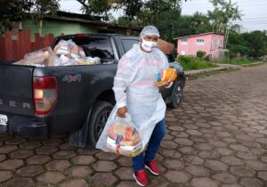 Mazagão distribui cestas básicas adquiridas com emenda de Randolfe