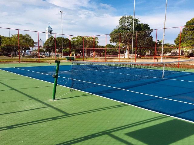 Projeto social e federados terão preferência em quadra pública de tênis
