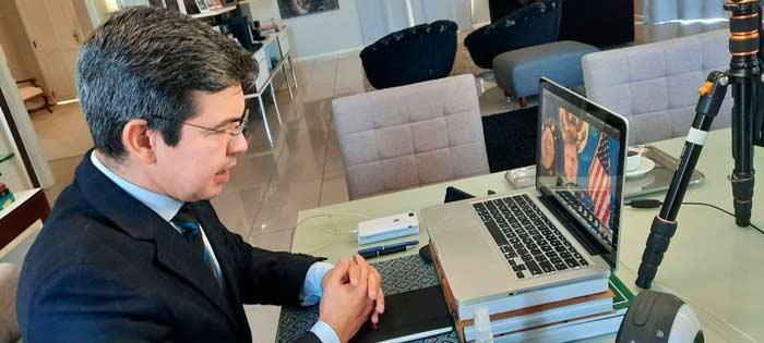 Randolfe pede que EUA destinem vacinas ao Amapá