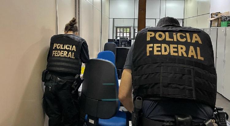 PF investiga servidor da Receita Federal por esquema de corrupção